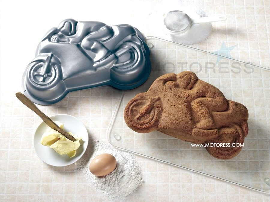 Cake Art Motorcycle Cake Pan : How About Some Motorcycle Race Cake? Woman Motorcycle ...