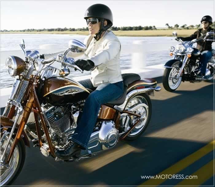 International Female Ride Day - Women's Month - MOTORESS