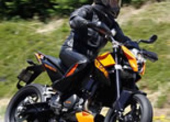KTM 690 Duke Review – Making Do with One