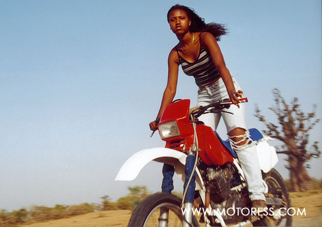 Girl from Senegal on MOTORESS