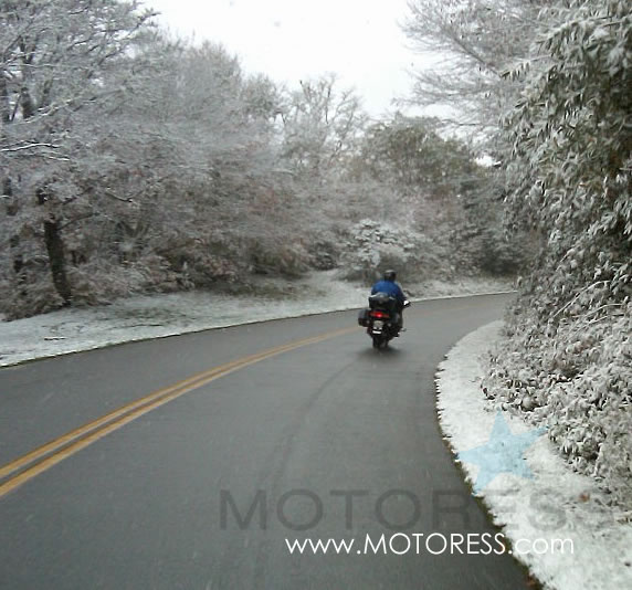 Riding in Cold Weather on Motoress