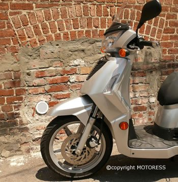 KYMCO Scooter 125 Ride Review on MOTORESS