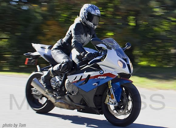 BMW S1000RR Sportbike Ride Review - MOTORESS