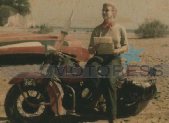 Canadian Woman Rider on Motoress