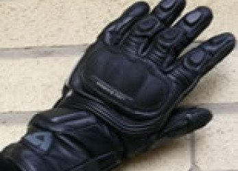 Woman Motorcycle Rider Glove REVIT Kelvin Review