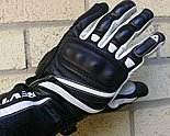 REVIT Raven Glove on MOTORESS