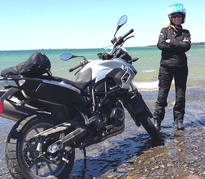 Vicki Gray MOTORESSING Manitoulin