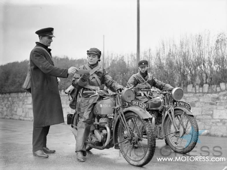 Women Motorcycle Dispatch Riders on MOTORESS