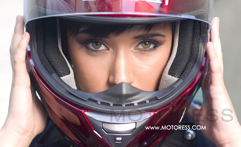 Buying a Helmet on MOTORESS