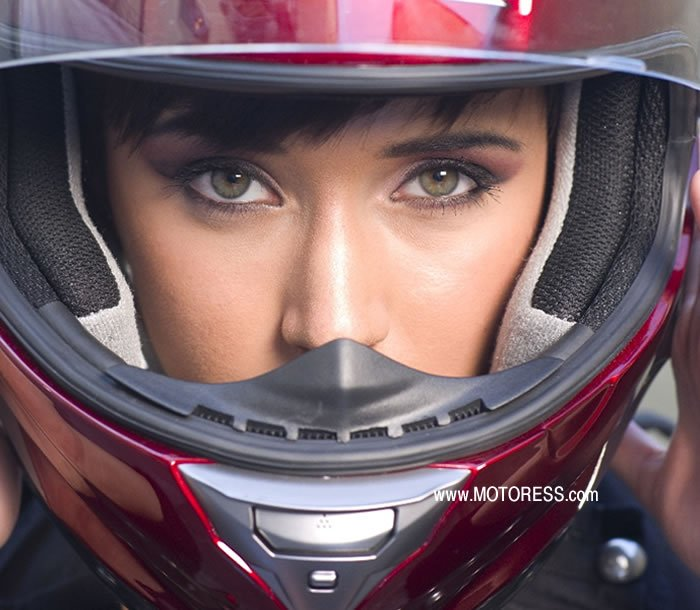 Guide to Buying a Motorcycle Helmet - MOTORESS