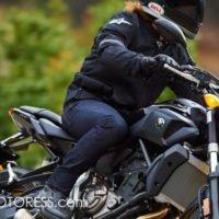 Yamaha FZ7 Naked Roadster on MOTORESS