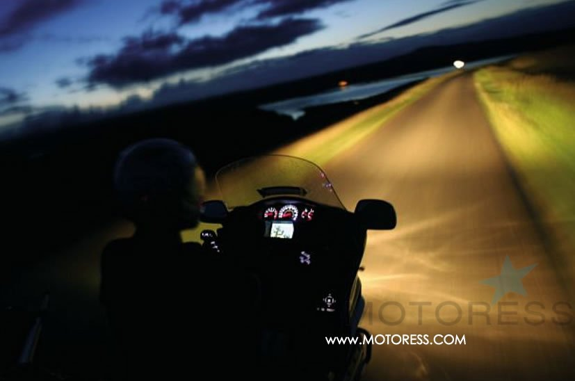 Guide to Riding Your Motorcycle at Night- on MOTORESS