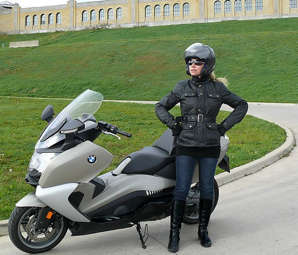 Vicki Gray Review BMWC650GT