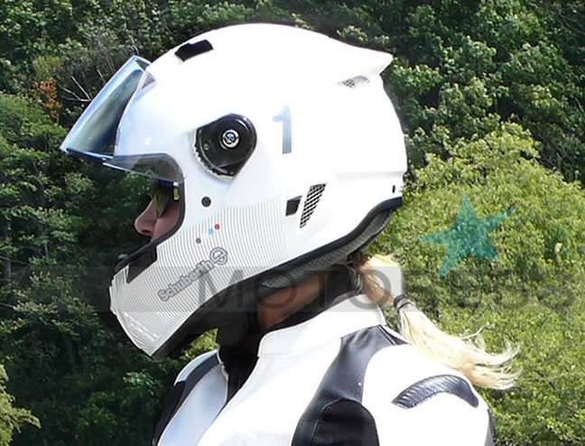 Schuberth SR1 Helmet Review - MOTORESS