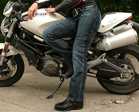 Minx Draggin Jean for Women Riders on MOTORESS