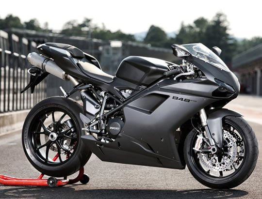 Ducati 848 evo on Motoress