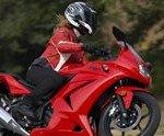Woman Rider Kawasaki on Motoress