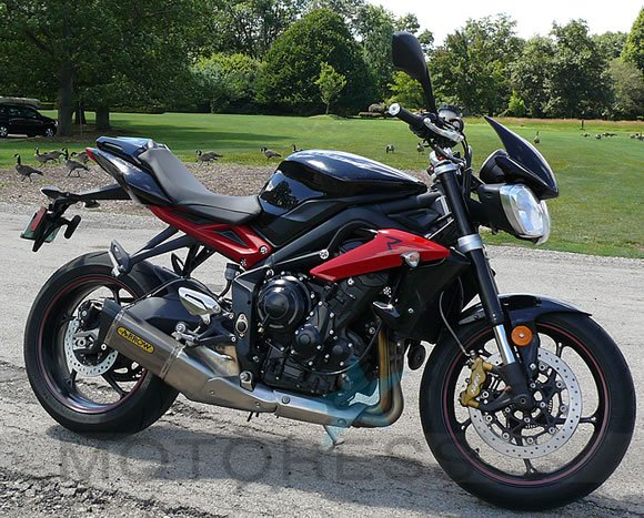 Triumph Street Triple R Review on MOTORESS