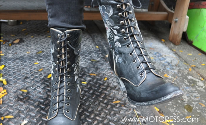 Motorcycle Boots on MOTORESS