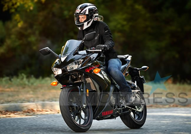 Women and Motorcycles Yamaha YZF R3