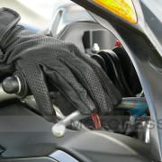 Rider Adjusts on MOTORESS