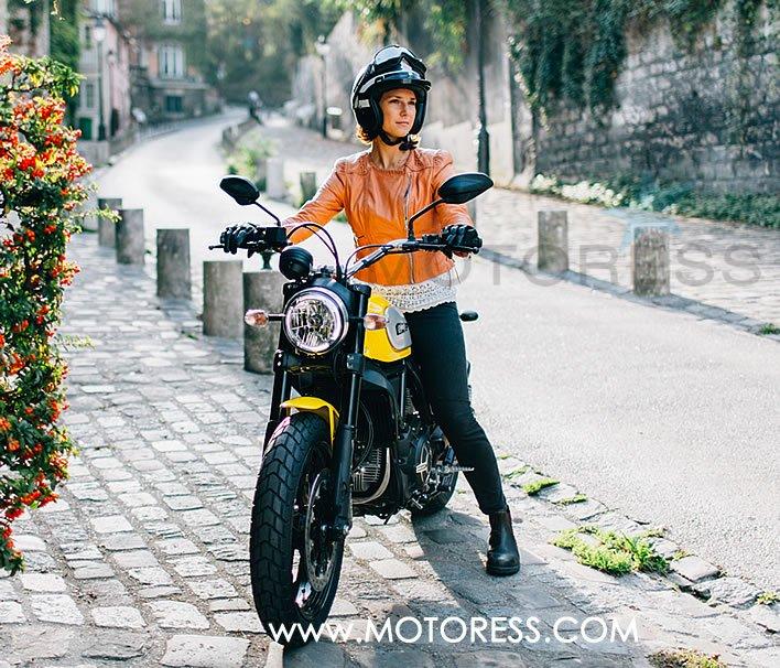 Ducati Scrambler Retro Basics Returned Woman Motorcycle Enthusiast