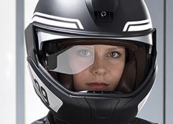 Concept BMW Motorcycle Helmet Delivers Info to Field of View