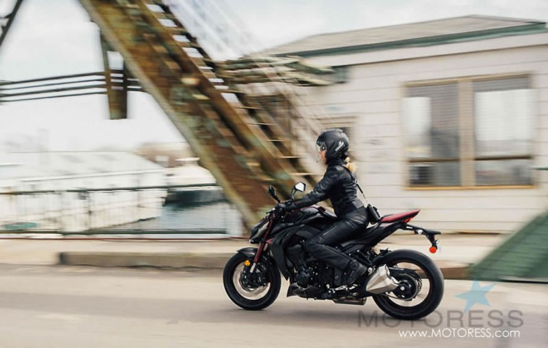 Kawasaki Z1000 ABS Review on MOTORESS