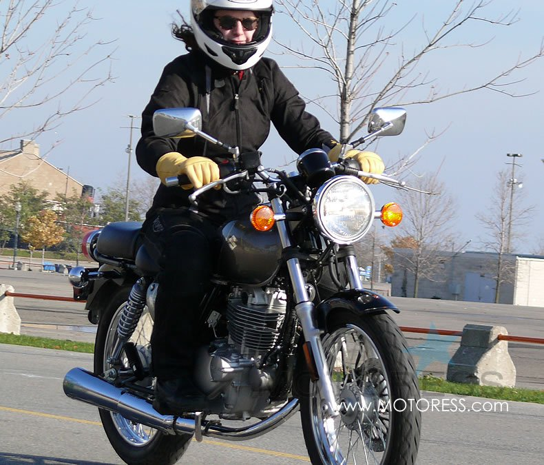 How to Keep Warm On Cold Weather Rides - MOTORESS