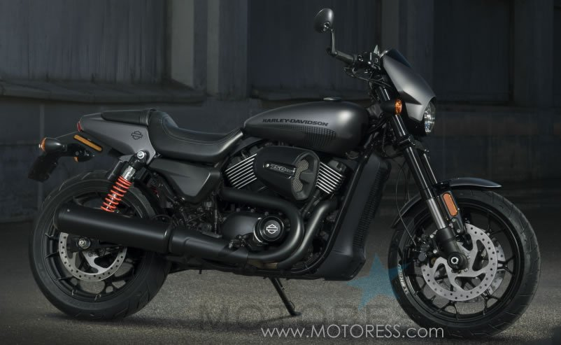 Harley-Davidson Street Rod on MOTORESS