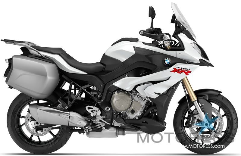 BMW S1000XR Unique Mix of Innovative Technology - MOTORESS