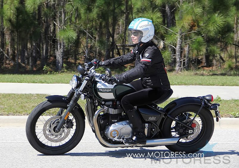 Triumph Bonneville Bobber Ride Review Woman Motorcycle Enthusiast