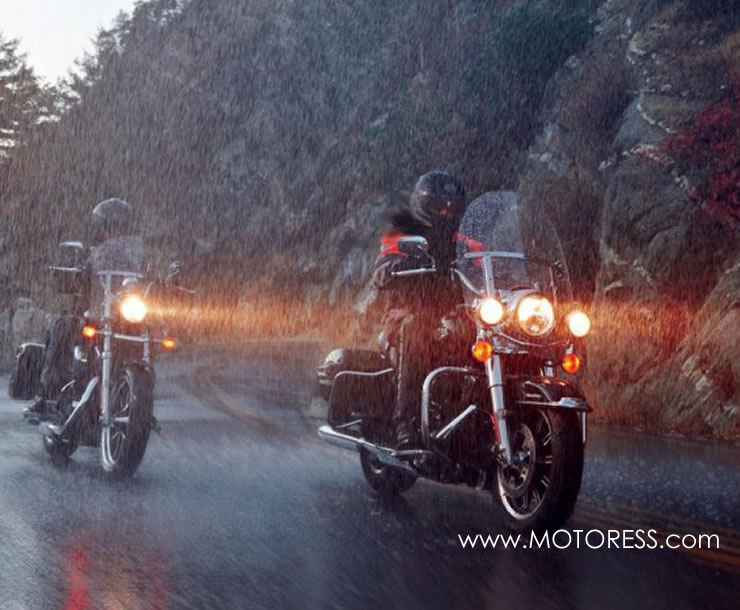Six Reasons to Ride Your Motorcycle in the Rain - on MOTORESS