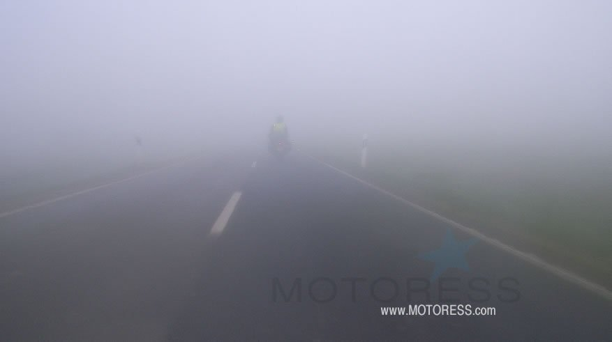 Tips for Riding Your Motorcycle In Fog- MOTORESS