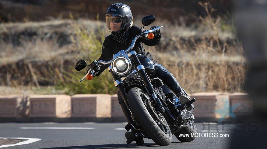 Harley-Davidson Sport Glide - MOTORESS