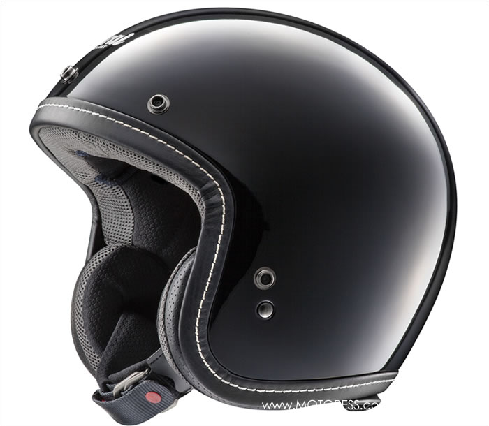 Arai Classic-V Helmet on MOTORESS