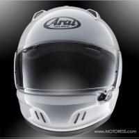 Arai Defiant-X Helmet on MOTORESS