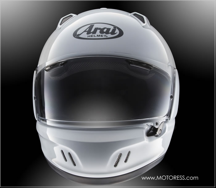 Arai Defiant-X Helmet on MOTORESS