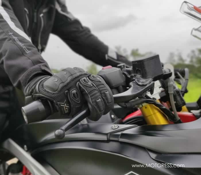 Lighten Up On Those Arms And Hands For A More Relaxing Motorcycle Ride - The MOTORESS